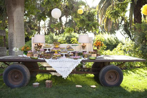 Louisville Wedding Blog - Wedding Dessert Table - Vintage Backyard Wedding 01