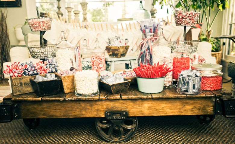 Wooden Candy Table ~ Fabulous dessert bars